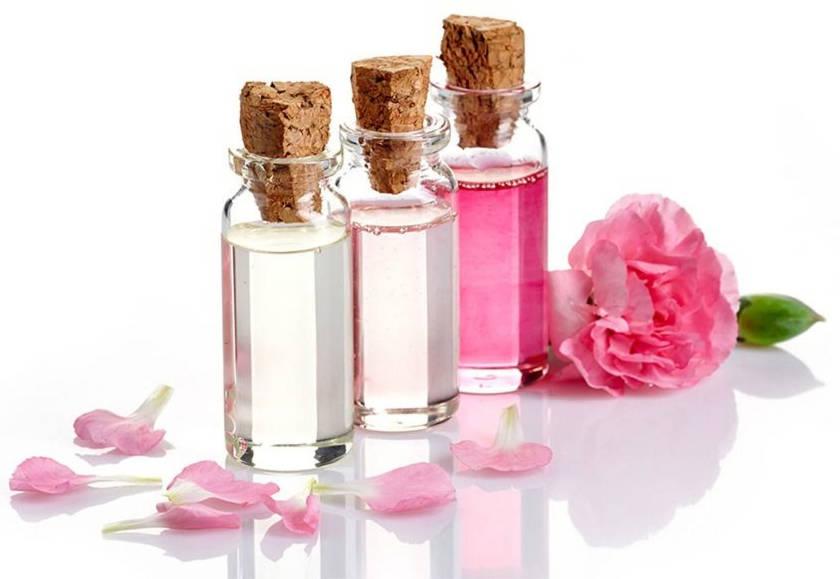 Вода натуральная (розовая, лавандовая)